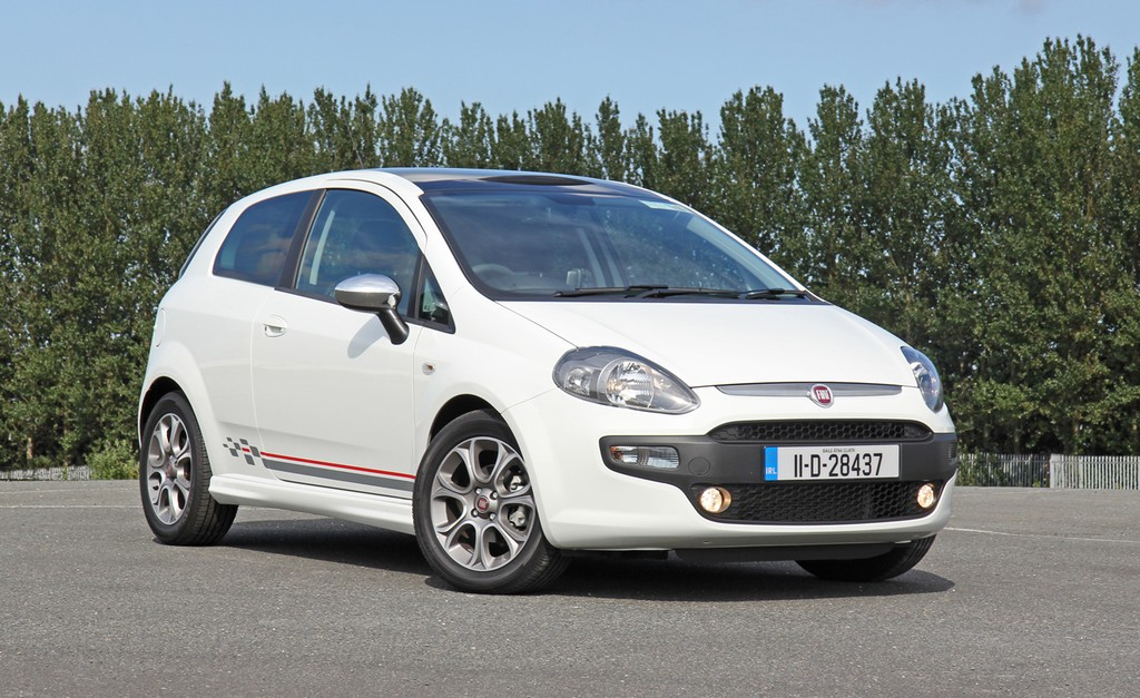 Fiat Punto Evo Gp Review Test Drives Atthelights Com
