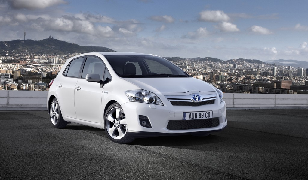 Toyota Auris HSD Review | Test Drives | atTheLights com