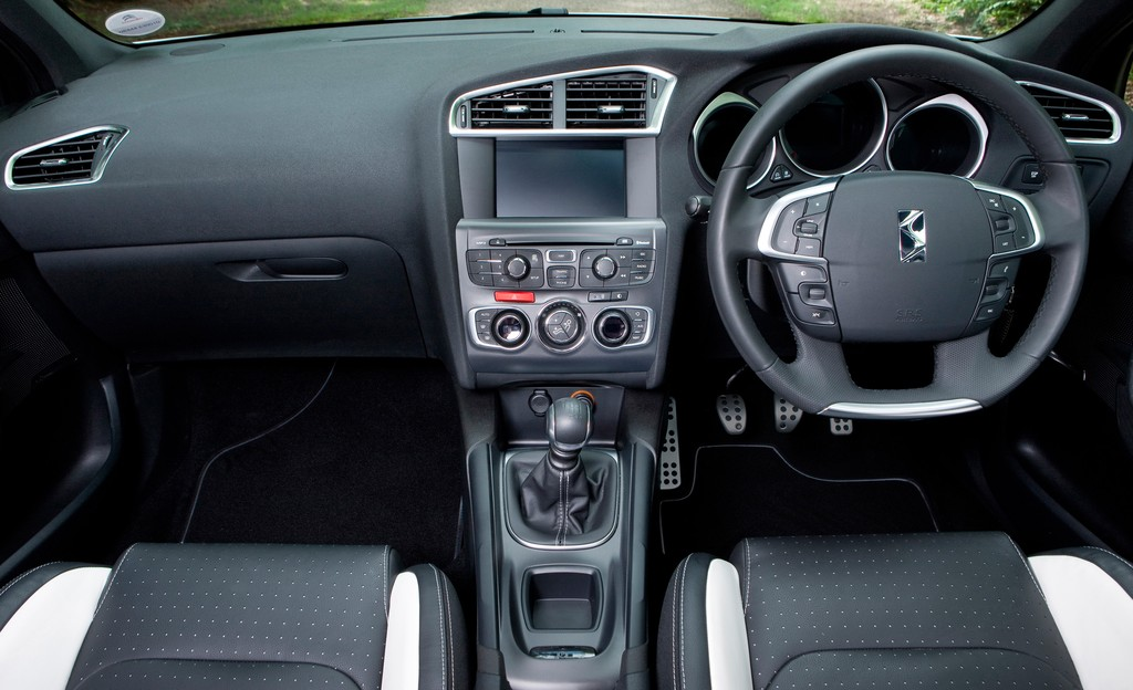 Citroen Ds4 Review Test Drives Atthelights