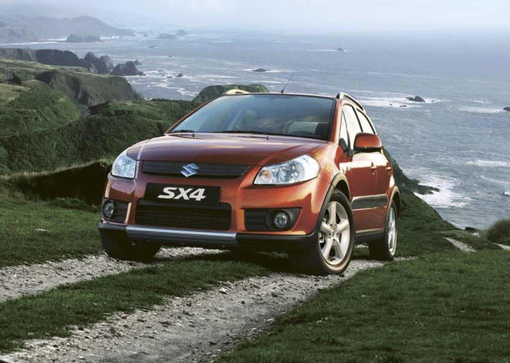 2011 Suzuki SX4 exterior front