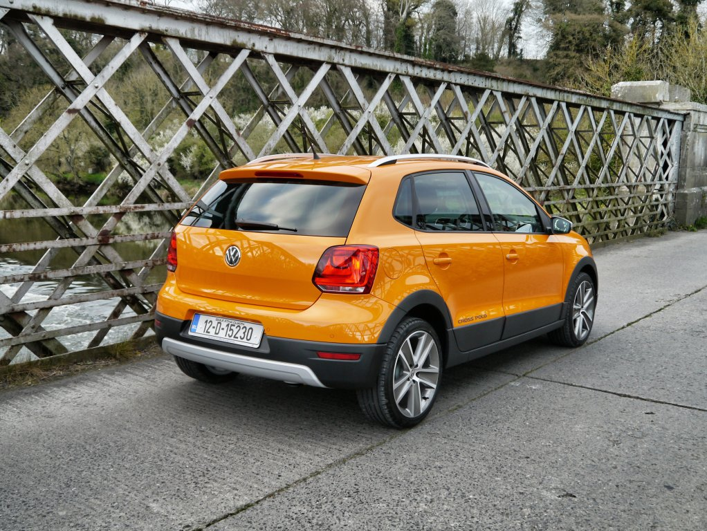 volkswagen cross polo review test drives. Black Bedroom Furniture Sets. Home Design Ideas