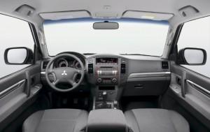 2012 Mitsubishi Pajero SWB interior cabin