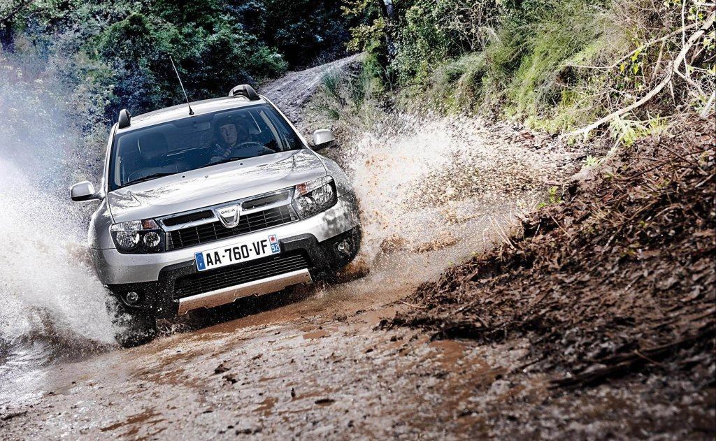 2012 Dacia Duster exterior front dynamic