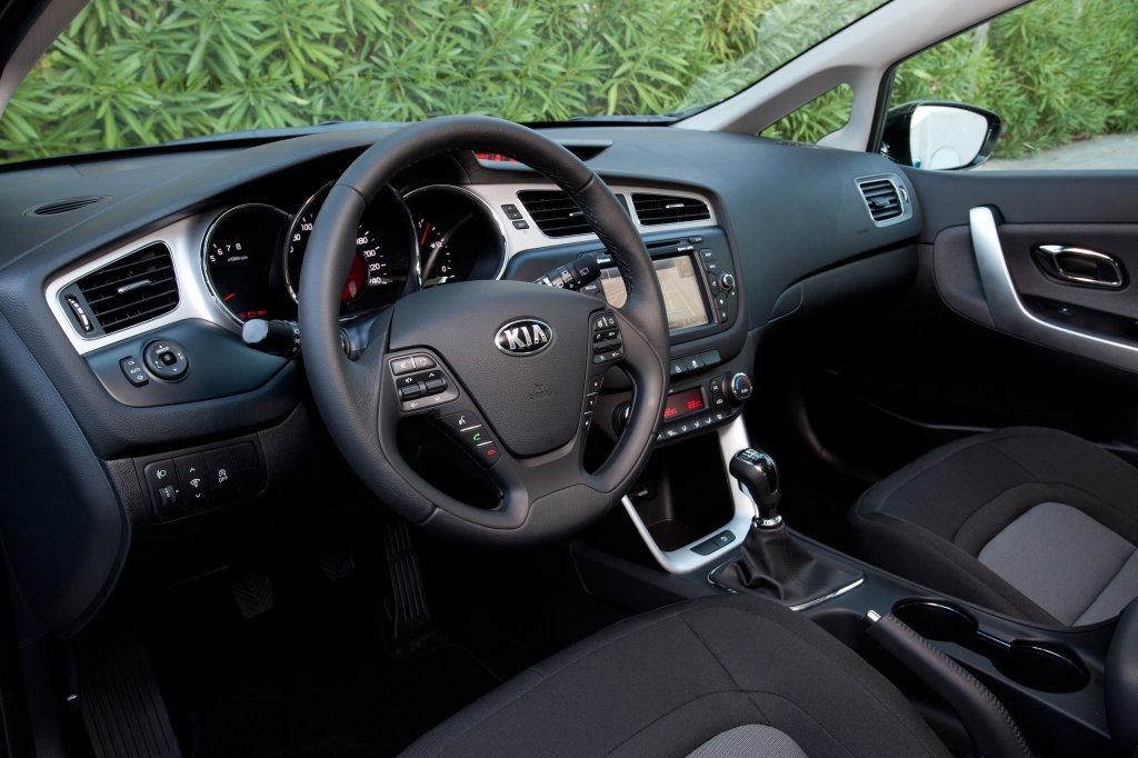 Kia cee 39 d sportswagon review test drives for Interior kia ceed