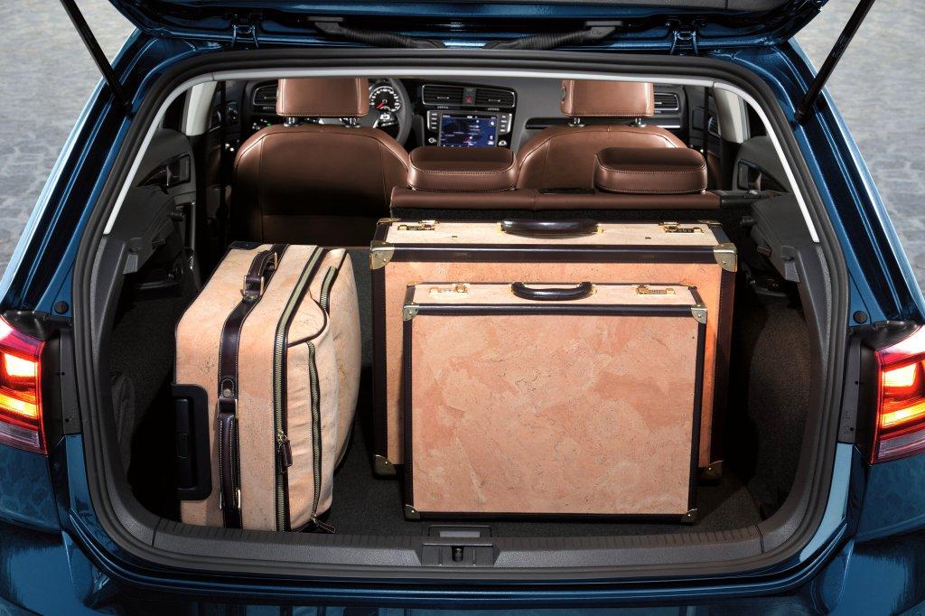 2013 Volkswagen Golf Mk7 interior boot