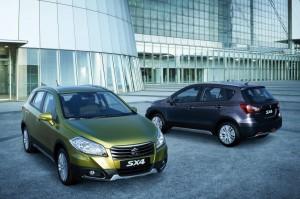 2013 Suzuki SX4 exterior front and rear