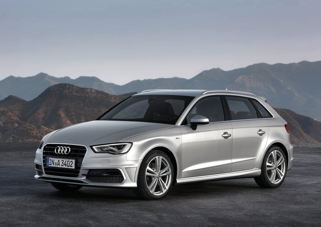 Audi A Sportback Review Test Drives AtTheLightscom - Audi a3 sportback