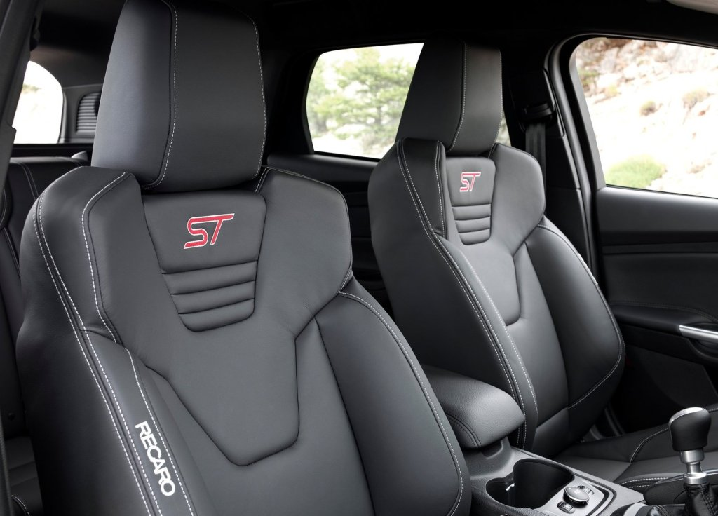 2013 White Ford Fusion Interior >> Ford focus rs recaro seats