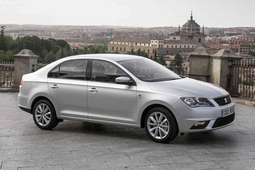 seat toledo review test drives. Black Bedroom Furniture Sets. Home Design Ideas