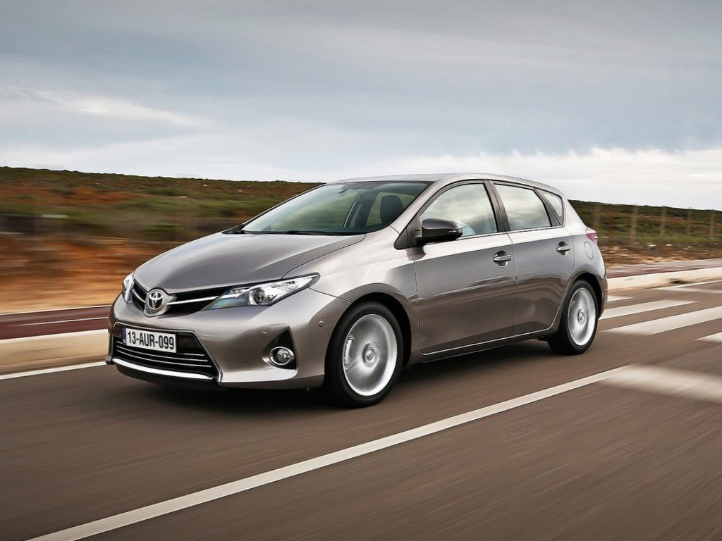 toyota auris review test drives. Black Bedroom Furniture Sets. Home Design Ideas