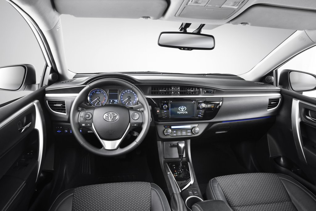 Toyota Corolla First Drive Atthelights Com