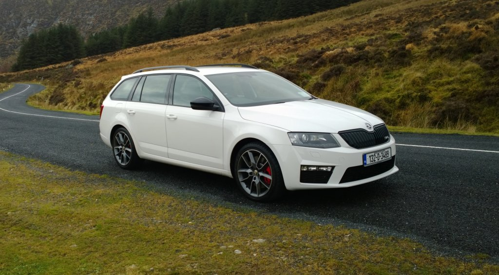 skoda octavia combi rs review test drives. Black Bedroom Furniture Sets. Home Design Ideas