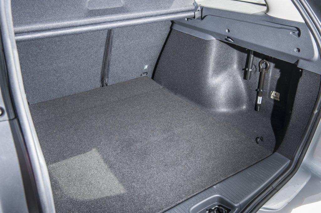 Dacia Logan Mcv Review Test Drives Atthelights Com