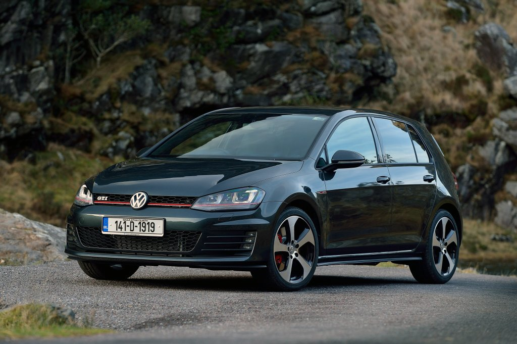 volkswagen golf gti review test drives. Black Bedroom Furniture Sets. Home Design Ideas