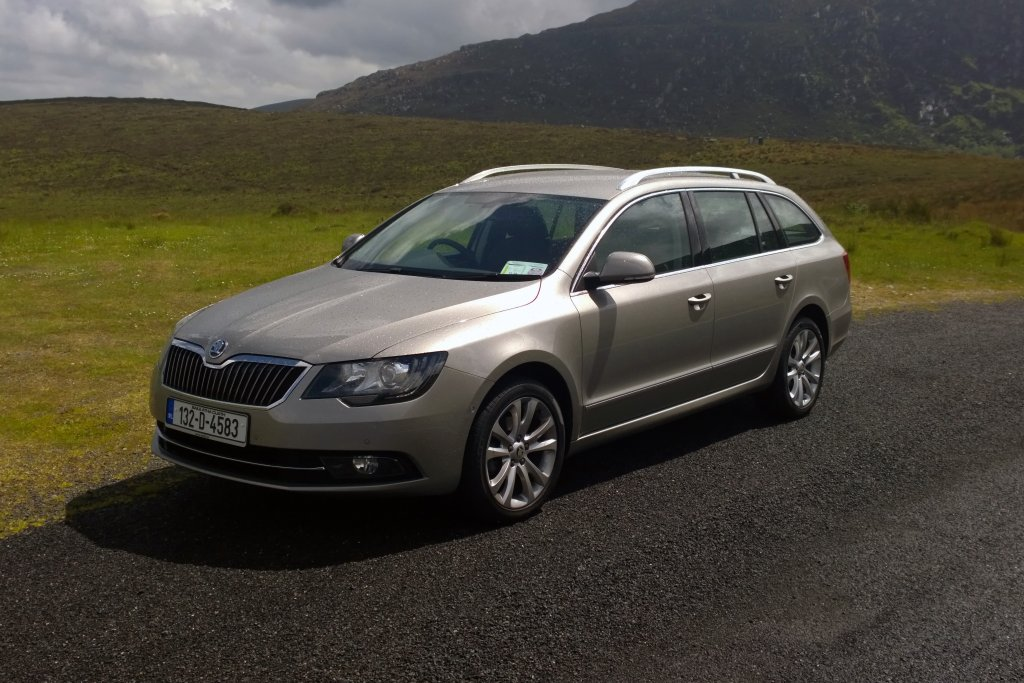 2013 Skoda Superb Combi exterior left front static