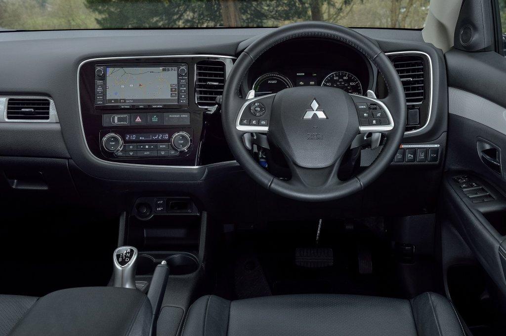 Mitsubishi outlander phev first drive - Mitsubishi outlander 2014 interior ...