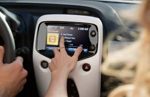 2014 Citroën C1 interior centre console