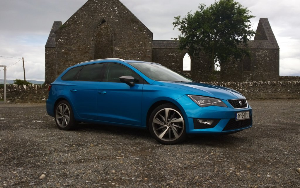 2014 Seat Leon ST FR exterior front right static
