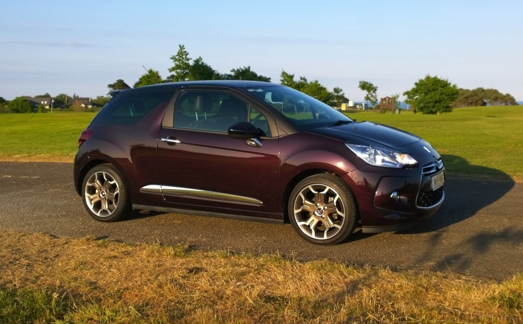2014 Citroën DS3 Faubourg Addict exterior right front static