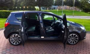 2014 Opel Meriva exterior right side doors open