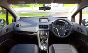 2014 Opel Meriva interior cockpit