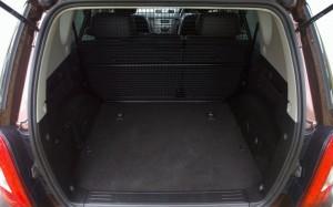2014 SsangYong Rexton W interior boot