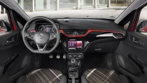 2015 Opel Corsa interior cockpit