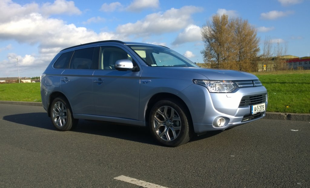 2014 Mitsubishi Outlander PHEV exterior front right static