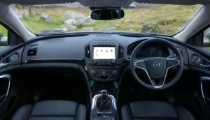 2014 Opel Insignia Country Tourer interior cockpit