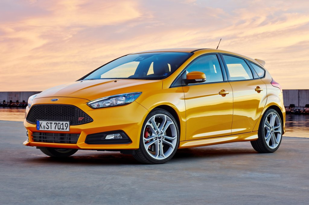 ford focus st for march launch in ireland. Black Bedroom Furniture Sets. Home Design Ideas