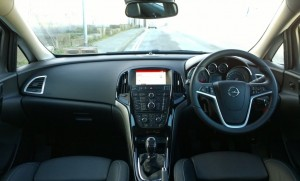 2014 Opel Astra saloon interior cockpit