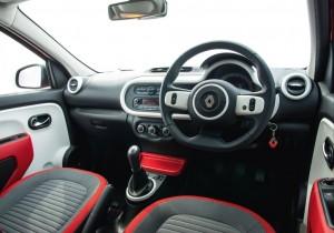2014 Renault Twingo interior cockpit