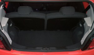 2014 Citroen C1 interior boot
